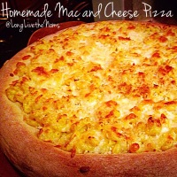 Homemade Mac and Cheese Pizza